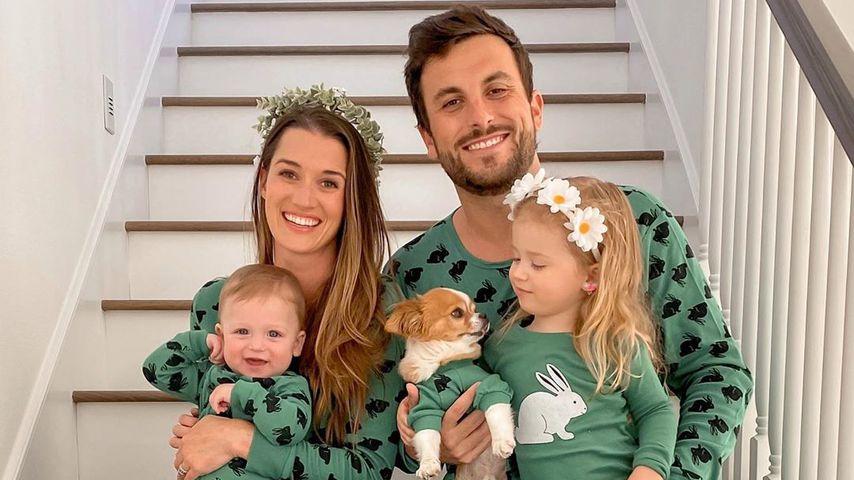 Jade Roper Tolbert, ihr Mann Tanner, ihre beiden Kinder Emmy und Brooks im März 2020