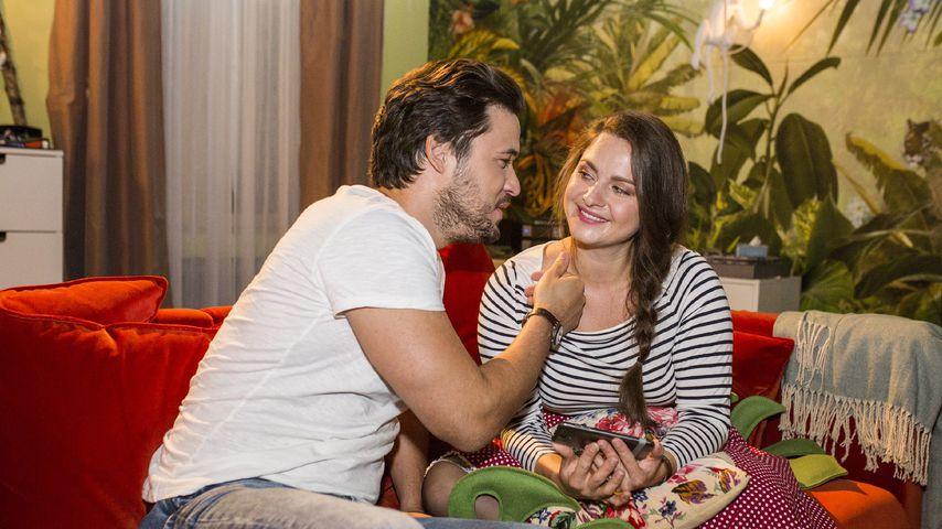 "Jakob (Alexander Milo), Saskia (Antonia Michalsky) in ""Unter uns"""