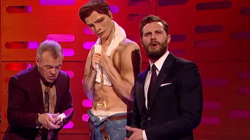 Sexy Kuchen: Jamie Dornan knabbert an sich selbst