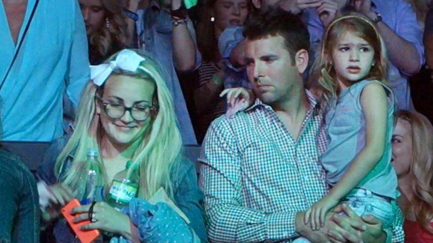 Jamie Lynn Spears mit ihrem Ehemann und Tochter Maddie bei einer Show in Las Vegas