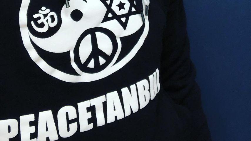 """Jan Böhmermanns """"Peacetanbul""""-Hoodie"""
