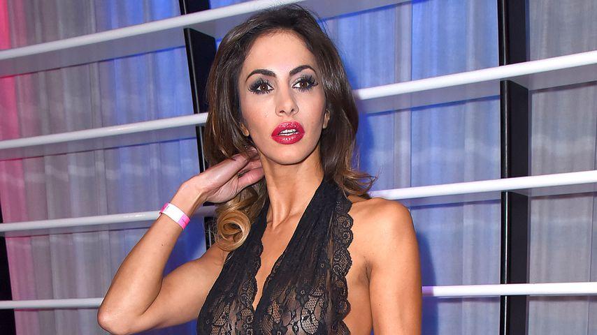 Nach Sport-Unfall: Janina Youssefians Brust hängt schief