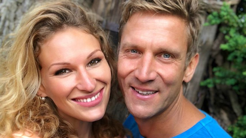 Nach Emils Geburt: Janni & Peer endlich wieder für sich