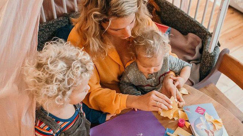 Janni Kusmagk mit ihren Kindern Emil-Ocean und Yoko