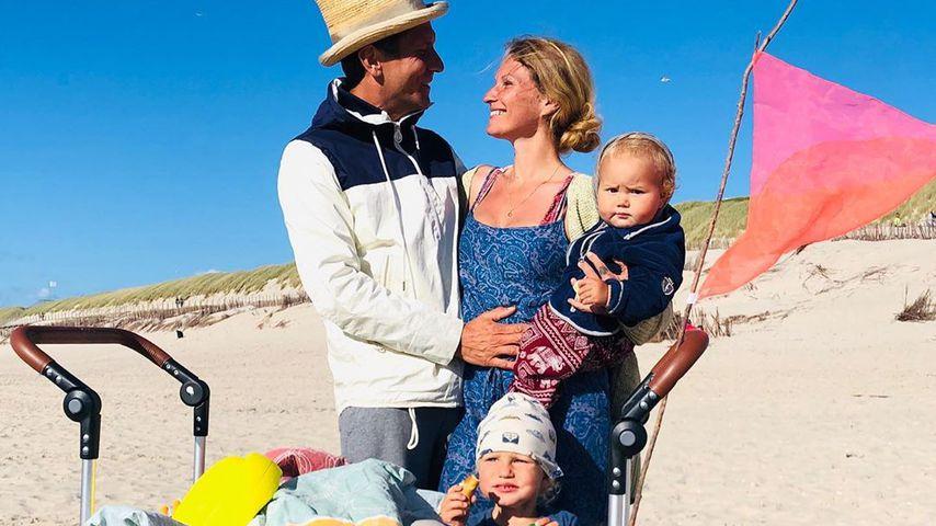 Janni und Peer Kusmagk mit ihren Kindern auf Sylt, Mai 2020