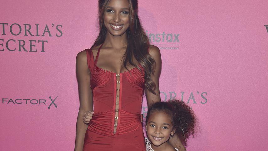 Jasmine Tookes und ihre Schwester Chloe Danielle in Paris