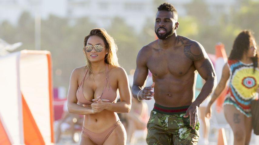 Heißes Paar: Jason Derulo & Daphne Joy ganz sexy am Strand