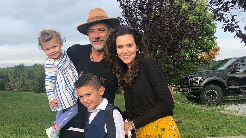Jeffrey Dean Morgan und Hilarie Burton 2019 mit ihren Kids