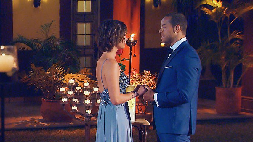 """Aus tiefstem Herzen"": Jenny nimmt Andrejs letzte Rose an"