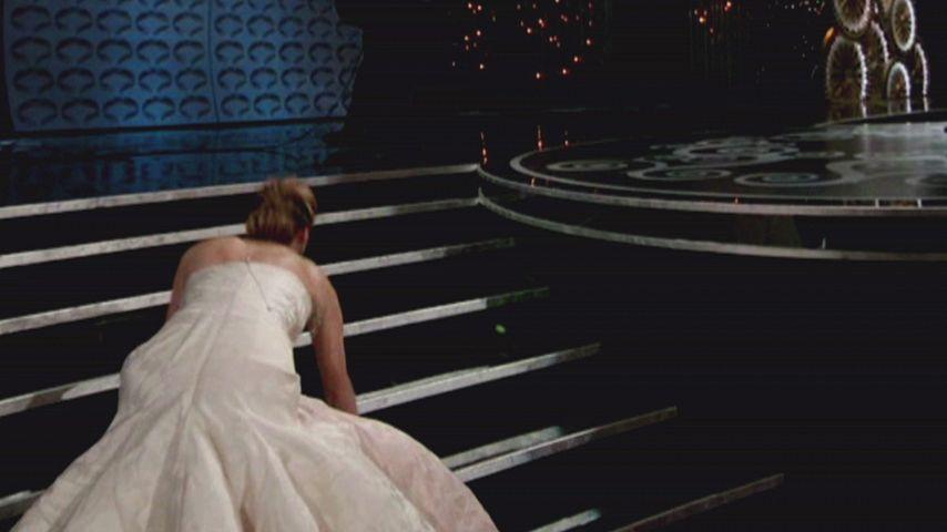 Ach Herrje! Jennifer Lawrence stolpert zum Oscar