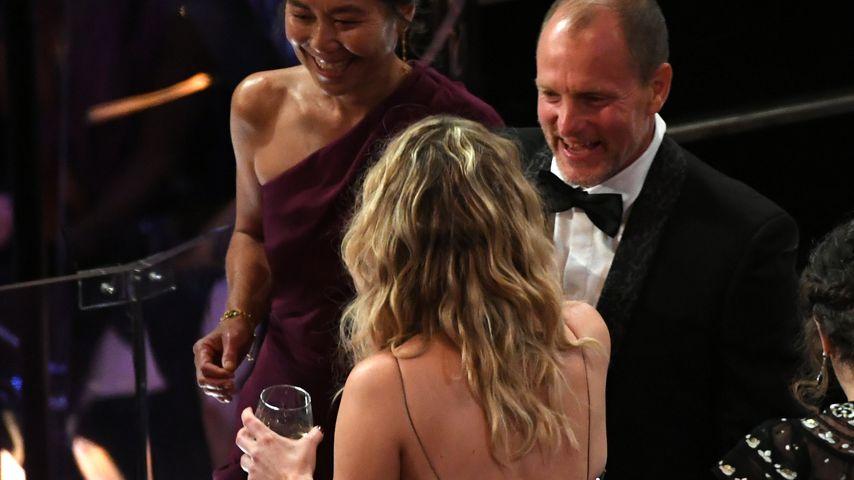 Jennifer Lawrence und Woody Harrelson während der Oscarverleihung 2018