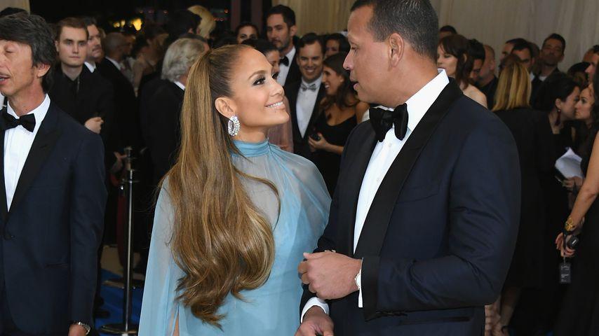Jennifer Lopez und ihr Verlobter Alex Rodriguez bei einer Gala in NYC im Mai 2017