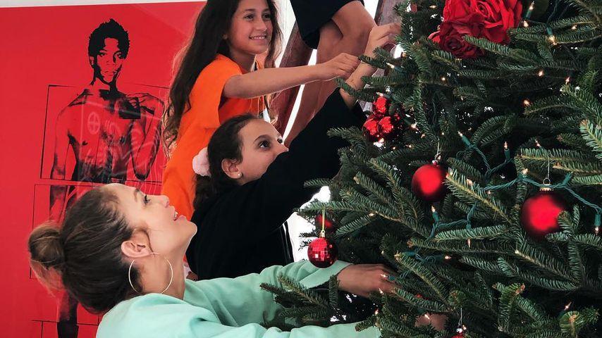 Zu Weihnachten: So sexy dekoriert Jennifer Lopez Christbaum!