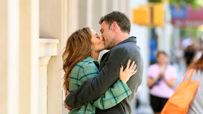 Eng umschlungen: Jennifer Lopez und Ben Affleck knutschen