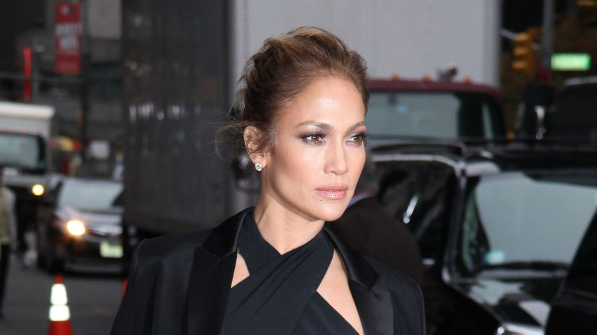 Heiß und edel! J.Lo verführt im Bauchfrei-Look