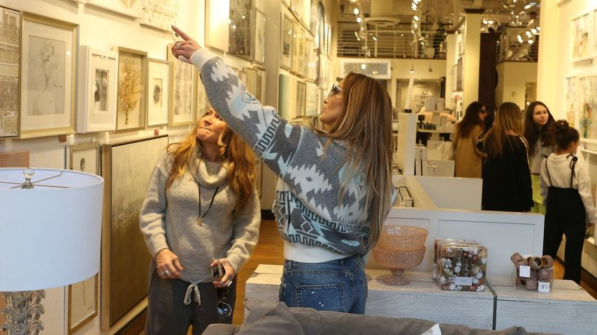 Mit der Familie: Jennifer Lopez shoppt nach Weihnachten
