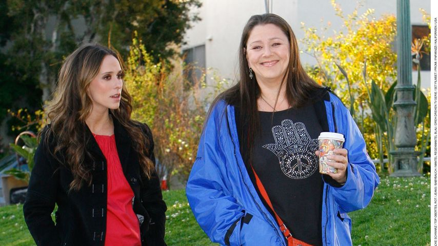 "Jennifer Love Hewitt und Camryn Manheim am Set von ""Ghost Whisperer"""