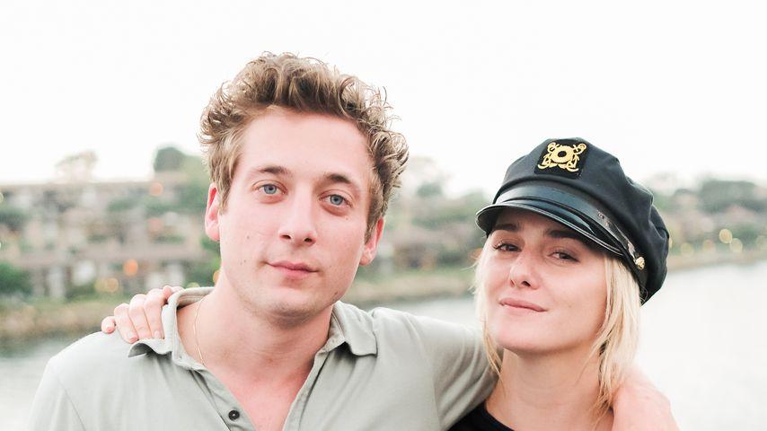 Jeremy Allen White und Addison Timlin