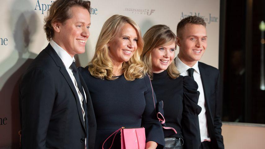 Jeroen Rietbergen, Linda de Mol, Julian und Noa Vahle im Dezember 2019