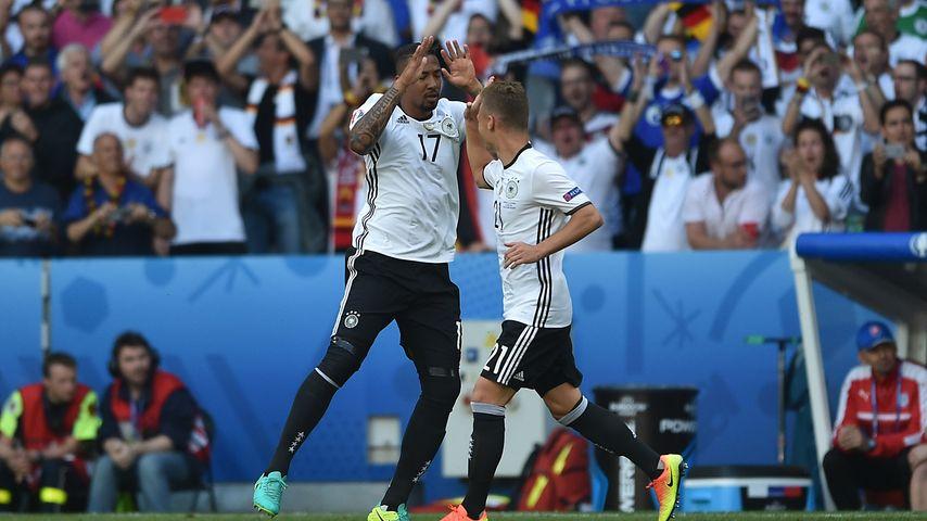 Jérôme Boateng nach seinem 1:0-Tor bei der EM 2016: Deutschland vs Slowakei