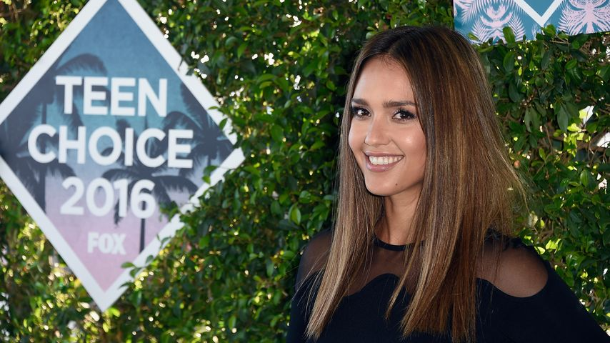 Jessica Alba bei den Teen Choice Awards 2016