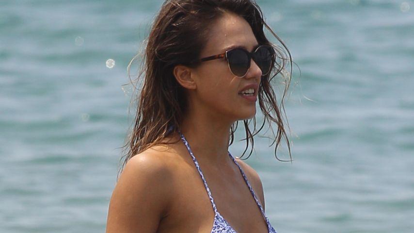 Heißer Strandtag: Jessica Alba beim Planschen erwischt!