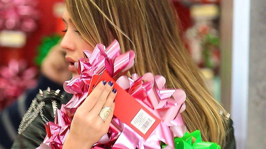 Jessica Alba im Last Minute Weihnachts-Rausch