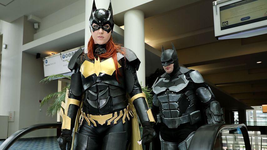 Jessica Jarrett und Duncan Messler als Batwoman und Batman bei der Awesome Con 2017
