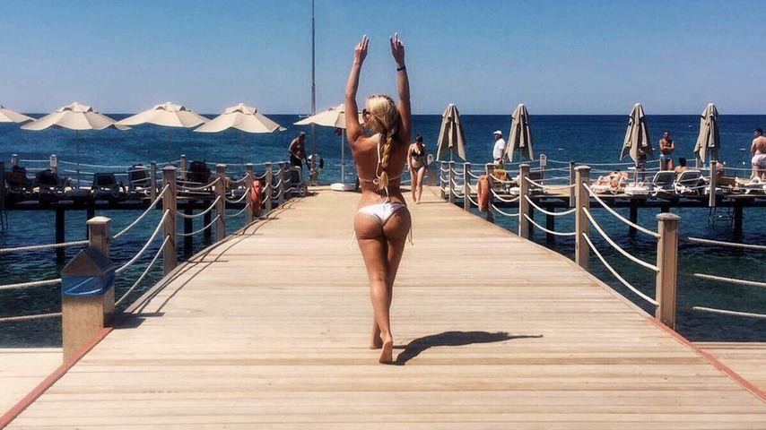 Hammer-Hintern: Jessica Paszkas sexy Kurvenshow im Urlaub!
