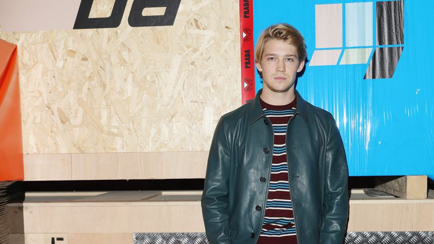 Joe Alwyn bei der Fashion Week in Mailand