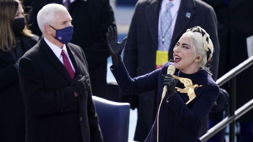 Joe Biden und Lady Gaga bei der Vereidigungszeremonie im Januar 2021