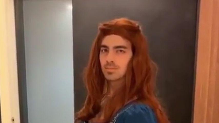 Zum GoT-Start: Joe Jonas verkleidet sich als Sansa Stark!