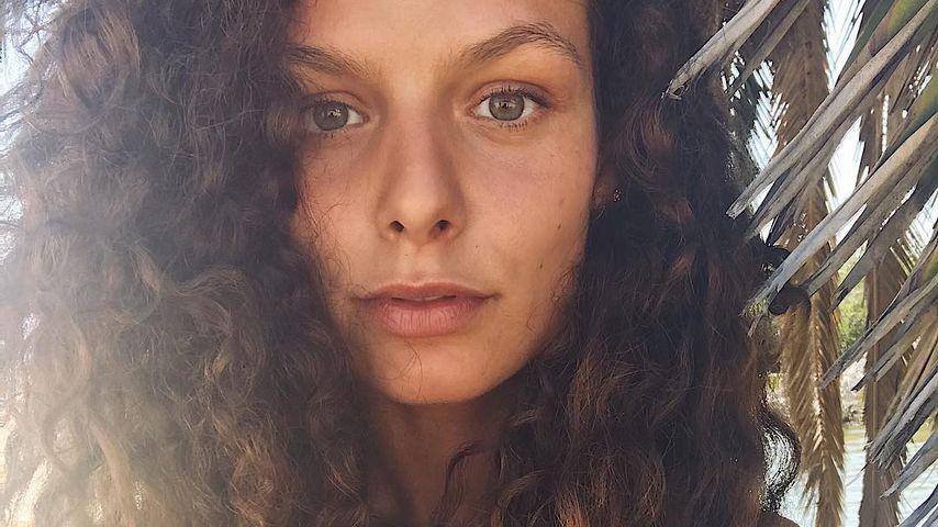 Tränen im Interview: GNTM-Joelle trauert um ihre Mama