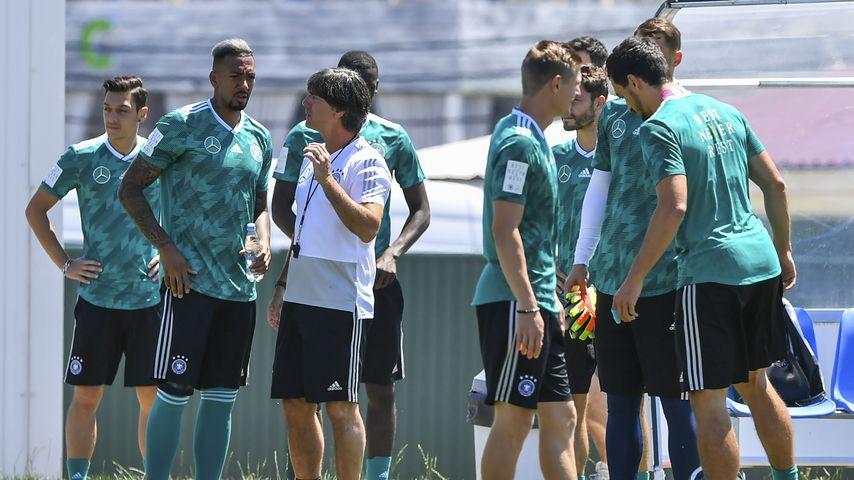 Jogi Löw und die Nationalmannschaft beim Training