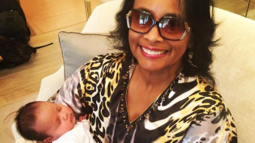 John Legend platzt vor Stolz: Besuch von Oma für Klein-Luna