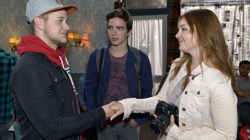 Jonas stellt sich bei Austauschschülerin Maria vor