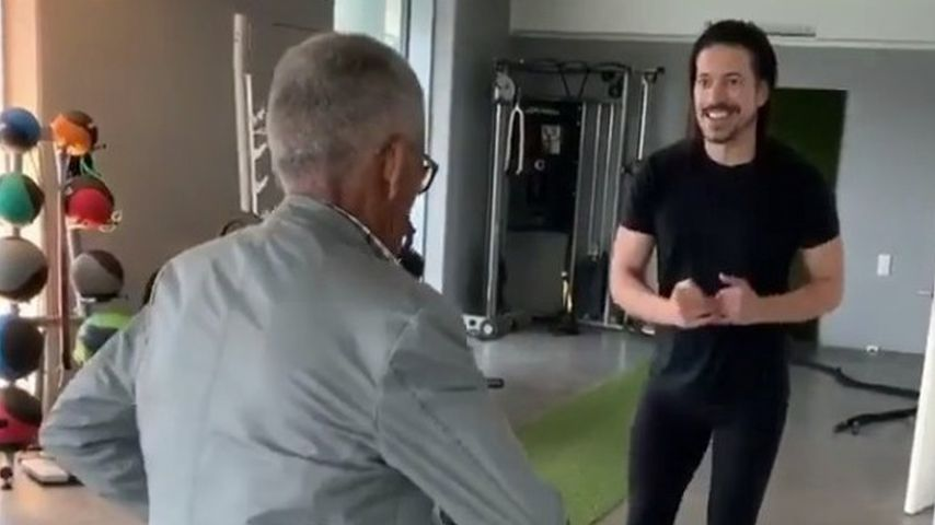 Süßer Throwback: Jorge Gonzalez und 98-jähriger Papa tanzen!