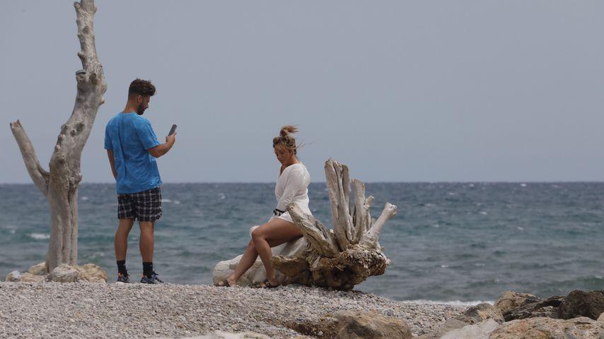 Josh Ritchie und Charlotte Crosby 2019 in Spanien