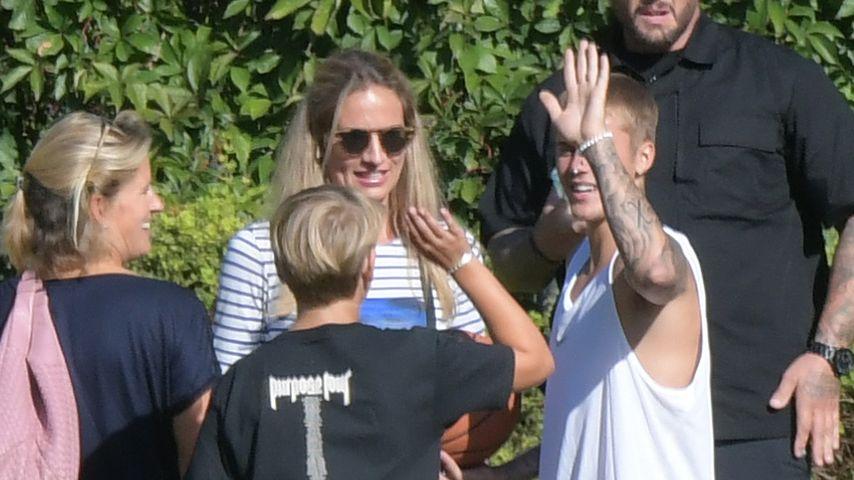 Justin Bieber mit Fans in Berlin