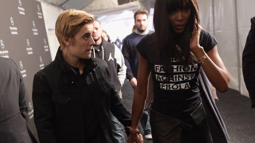 Justin Bieber & Naomi Campbell halten Händchen