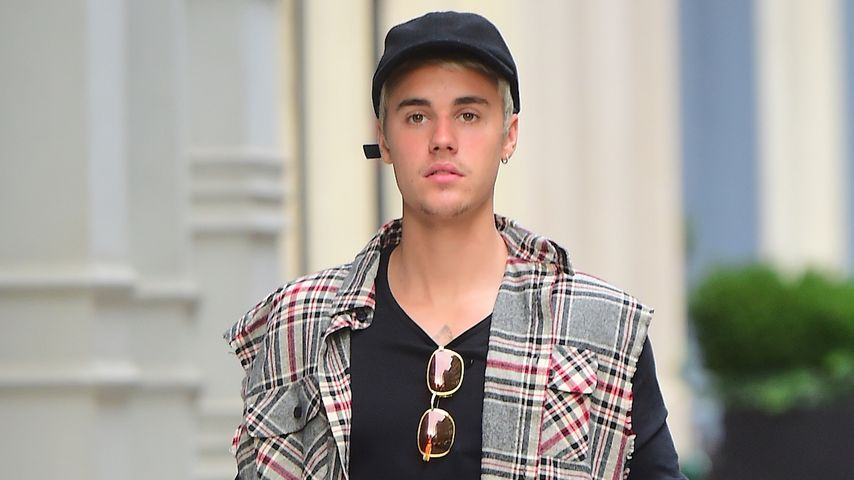 Justin Bieber vor einem New Yorker Wellness-Center