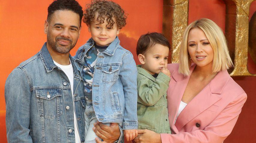 Justin Scott und Kimberley Walsh mit ihren Kindern Bobby und Cole, Juli 2019