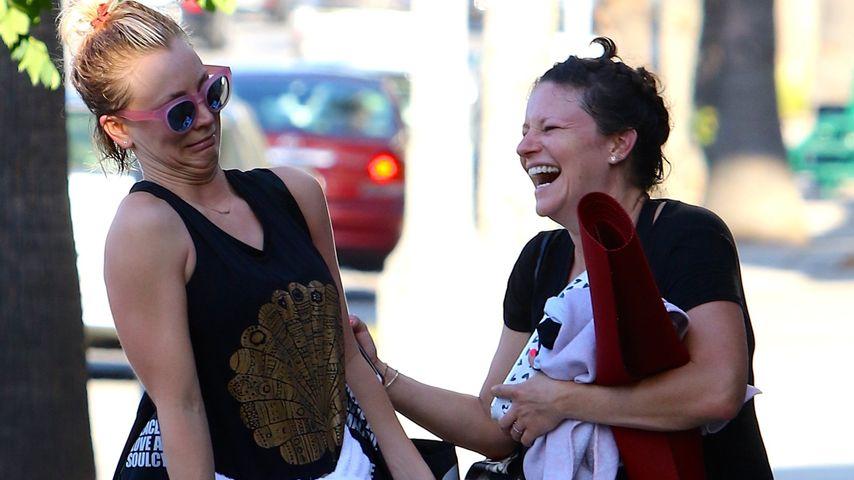 Fratzen-Parade: Kaley Cuoco nach Yoga-Stunde völlig gaga