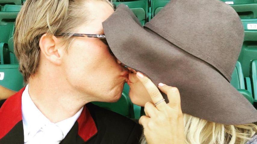 Frisch verliebt: Hier knutscht Kaley Cuoco mit ihrem Neuen