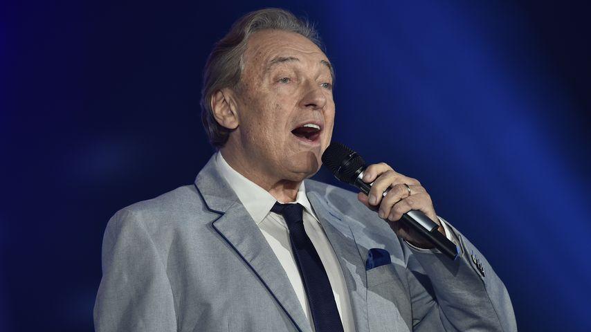 Karel Gott, Sänger