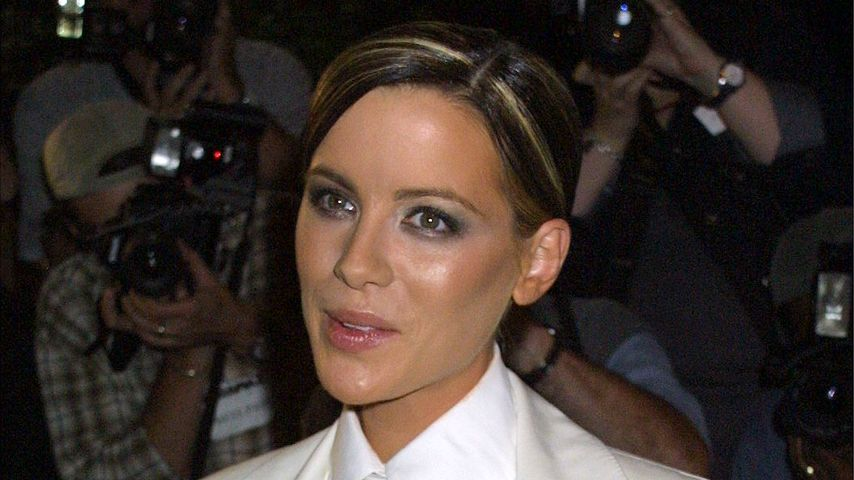 Kate Beckinsale im Oktober 2001