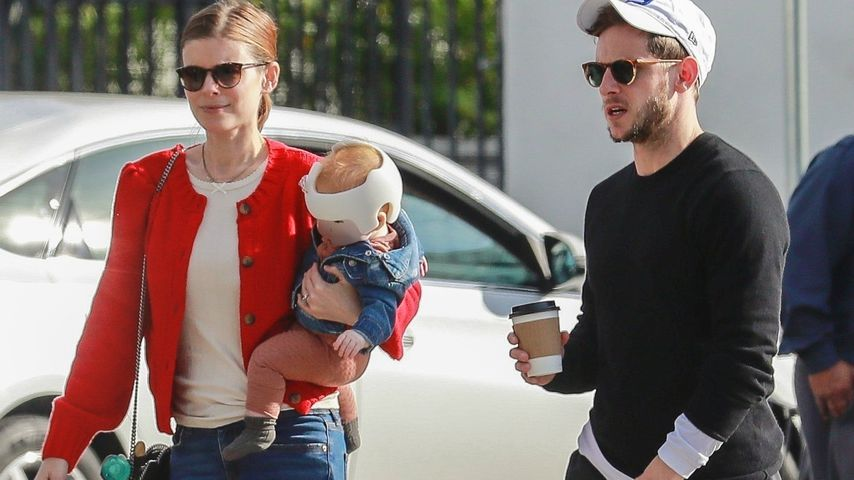 Verformter Kopf? Kate Mara und Jamie Bells Baby trägt Helm