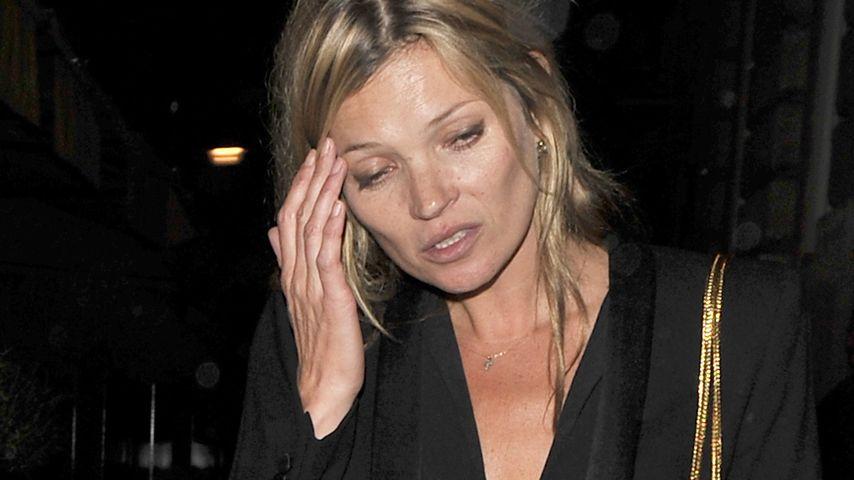 Müde & angetrunken: Kate Moss sieht lädiert aus!