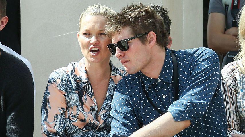 Kate Moss mit ihrem Freund Graf Nikolai von Bismarck bei der Fashion-Week