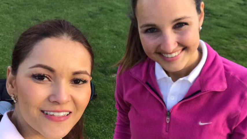 Bachelor-BFFs: Cara bringt Kattia das Golfspielen bei
